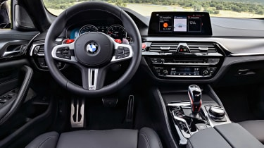BMW M5 Competition - dash