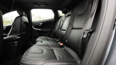 Volvo V40 T3 R-Design rear seats