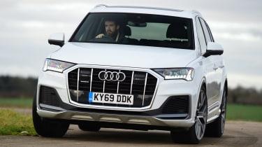 Audi Q7 - front cornering