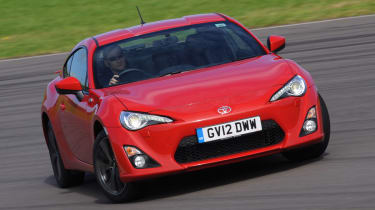 Toyota GT 86 front cornering