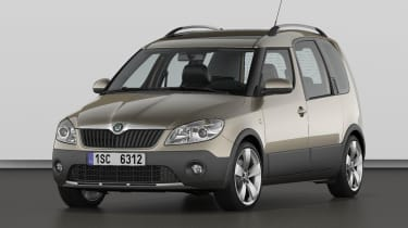 Skoda Roomster Scout front three-quarters