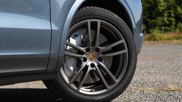 Porsche Cayenne S - wheel