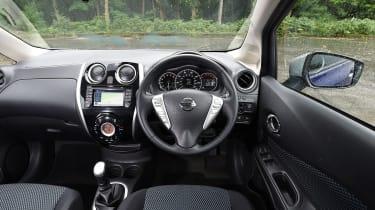 Nissan Note blue dashboard