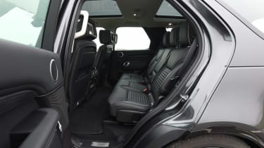 Land Rover Discovery HSE Si6 - rear seats