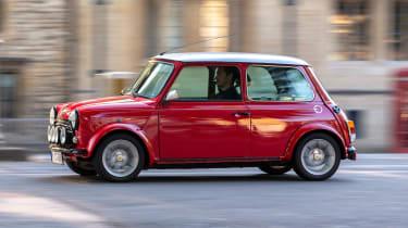 Mini Classic electric - profile