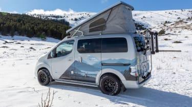 Nissan e-NV200 Winter Camper concept - roof tent