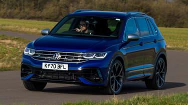 Volkswagen Tigun R - front cornering