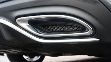 Mercedes C-Class - exhaust