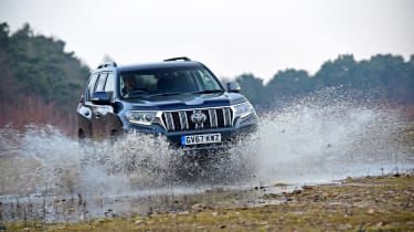 Toyota Land Cruiser - front off-road