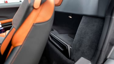 BMW i8 Roadster - compartment