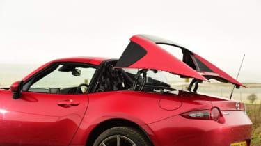 Used Mazda MX-5 - roof closing