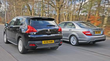Peugeot 3008 HYbrid4 vs Mercedes C-Class