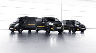 Renault Formula Edition Vans - group
