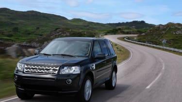 Land Rover Freelander facelift front tracking black