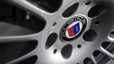Alpina D5 S wheel centre