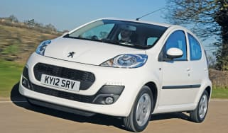 Peugeot 107 front tracking