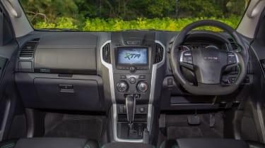 Isuzu D-Max XTR - interior