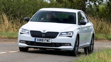 Skoda Superb - front cornering