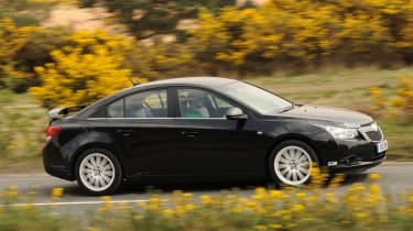 Chevrolet Cruze CS profile