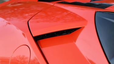 Lamborghini Huracan Evo Spyder - detail