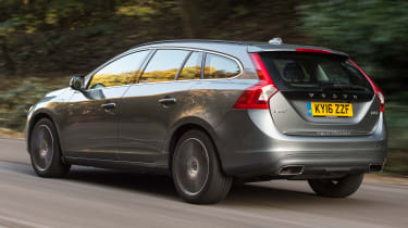 Volvo V60 D5 Twin Engine - rear tracking