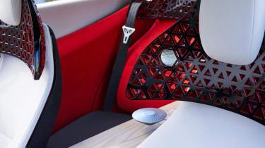 Nissan Xmotion Concept - rear seats