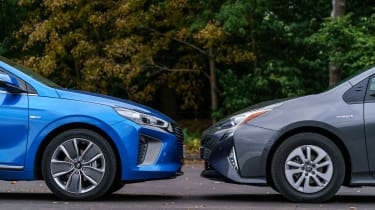Hyundai Ioniq vs Toyota Prius - fronts