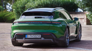 Porsche Taycan Cross Turismo - green rear static