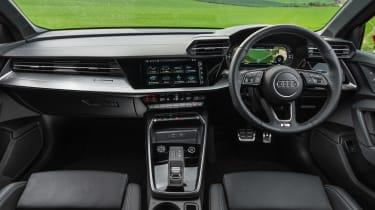 Audi A3 40 TFSI e PHEV - dash