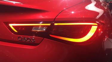 Infiniti Q60 - light show