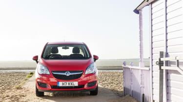 Vauxhall Meriva 2014 facelift - head on