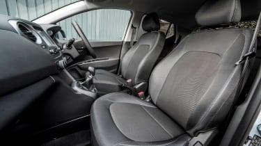 Hyundai i10 Play - front seats