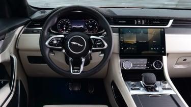 Jaguar F-Pace SVR - dash