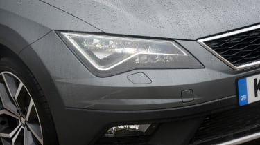 SEAT Leon X-Perience - front light
