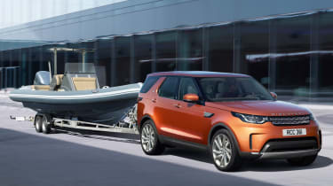 Land Rover Discovery 2017 - official towing
