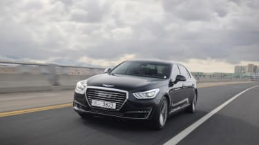 Genesis G90 first drive - front tracking