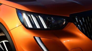 Peugeot 2008 - front lights
