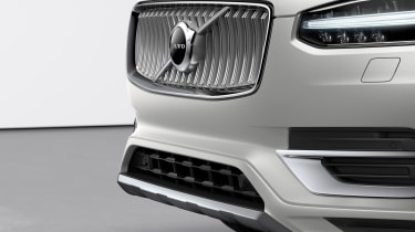 Volvo XC90 facelift - front end