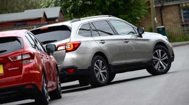 Subaru Outback - parking