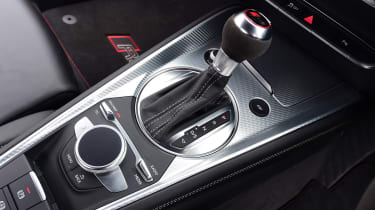Audi TT RS - gear shifter