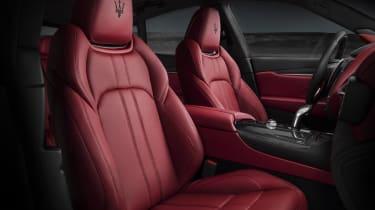 Maserati Levante GTS - front seats
