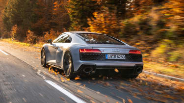Audi R8 RWD Coupe - rear tracking