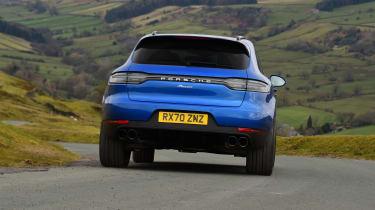 Porsche Macan - rear cornering