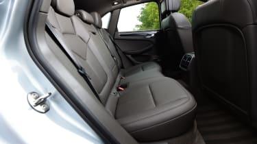 Porsche Macan S - rear seats