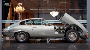 Helm Jaguar E-Type - front