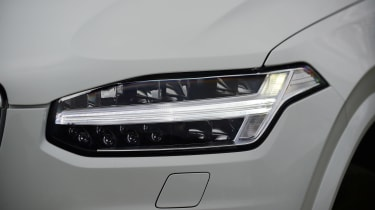 Volvo XC90 - front light detail