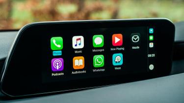 Mazda 3 - Apple CarPlay