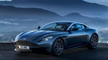 Aston Martin DB11 - front static panning