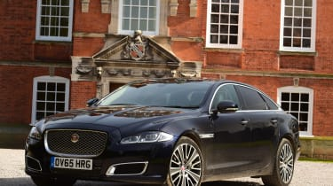 Jaguar XJ - front static