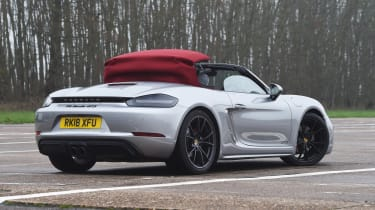 Porsche 718 Boxster GTS - roof opening